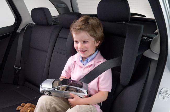 seguridad niños auto