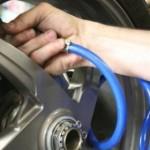 Motos: cuánto aire llevan los neumáticos y otros consejos