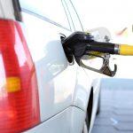 ¿Cómo hacer que mi auto gaste menos nafta?